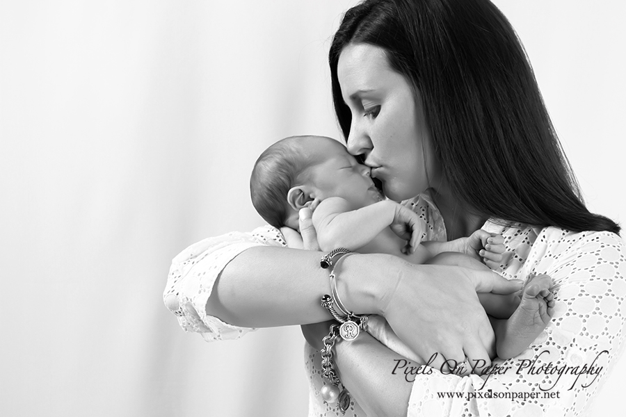 Pixels On Paper Family Photographers, Baby Pictures Newborn Photography Photo Family Portrait Photography Photo