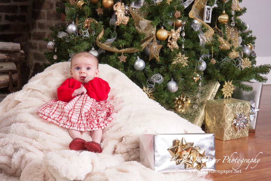 Baby Amelia's family christmas portrait photo