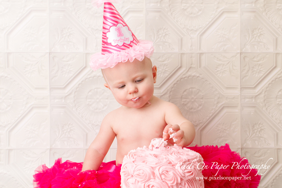 pixels on paper wilkesboro nc studio child portrait cake smash photo