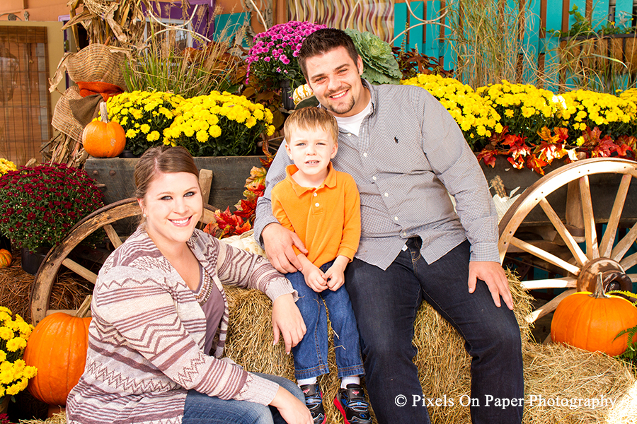 Pixels on Paper's Pumpkin Patch sessions reveal a new couple photo