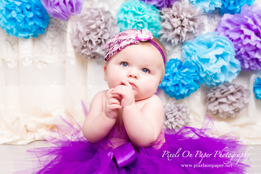Ivy Myers 6 months child and family portrait photography by Pixels On Paper Portrait Photography