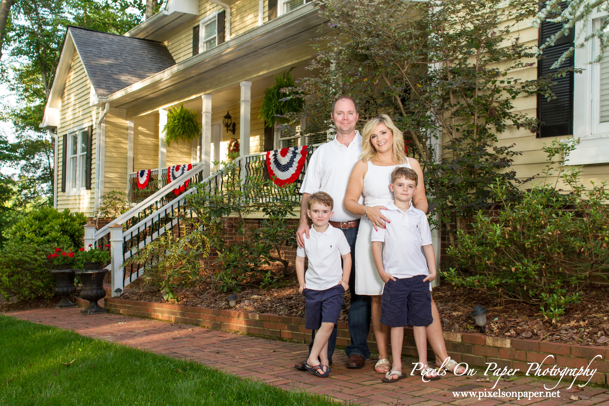 Wilkesbor NC photographers outdoor family portrait photos by Pixels On Paper photo