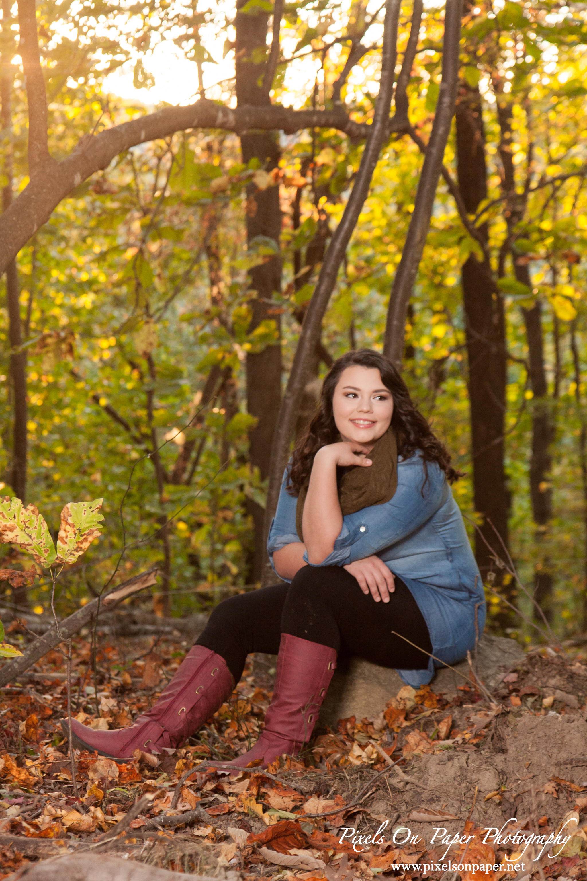 Katie Waddell Outdoor Senior Pictures by Pixels On Paper Senior Photographer Wilkesboro NC photo