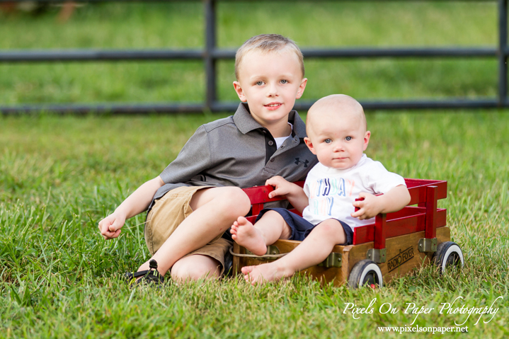 one year child photographers outdoor family portraits pixels on paper boone blowing rock wilkesboro nc photographers photo