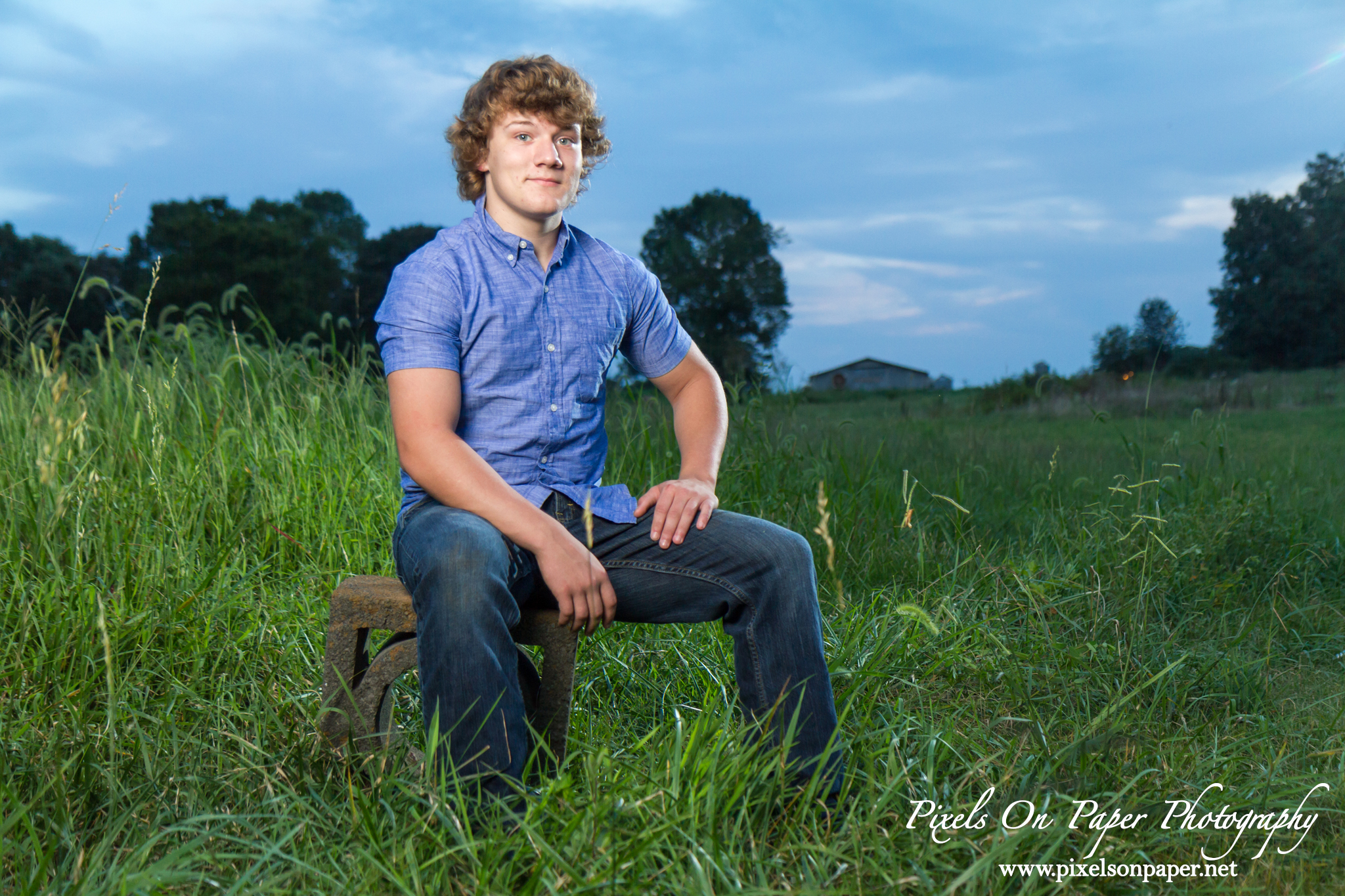 Wilkesboro, Elkin, Hamptonville NC Outdoor Male Senior Portrait Photography Pixels On Paper Photographers Photo