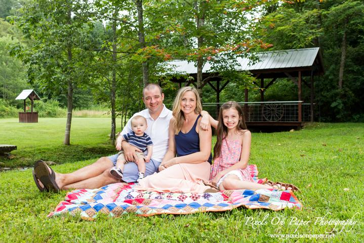 Allen Family Outdoor Summer Portraits